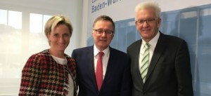 Ministerpräsident Kretschmann, Wirtschaftsministerin Dr. Hoffmeister-Kraut und IAO-Chef Prof. Dr. Bauer