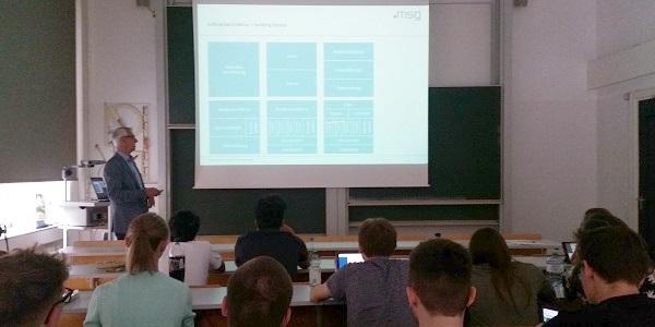 Software-Architektur-Experte Andreas Alger von msg systems zu Gast an der HFT Stuttgart