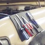 Ce panneau magnétique permet le maintien des outils dans une position utile.