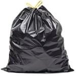 Le sac poubelle est à usage unique pour l'évacuation des ordures ménagères.