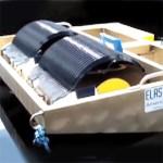 Le système Elastec extrait l'huile de l'eau en la déposant par adhérence au préalable sur un cylindre rotatif intermédiaire.