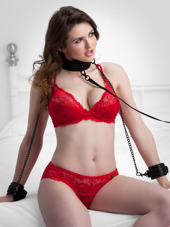 Bondage Boutique Black Rose Wrist-to-Collar Restraint Set