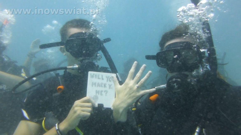 Czy wyjdziesz za mnie pod wodą?