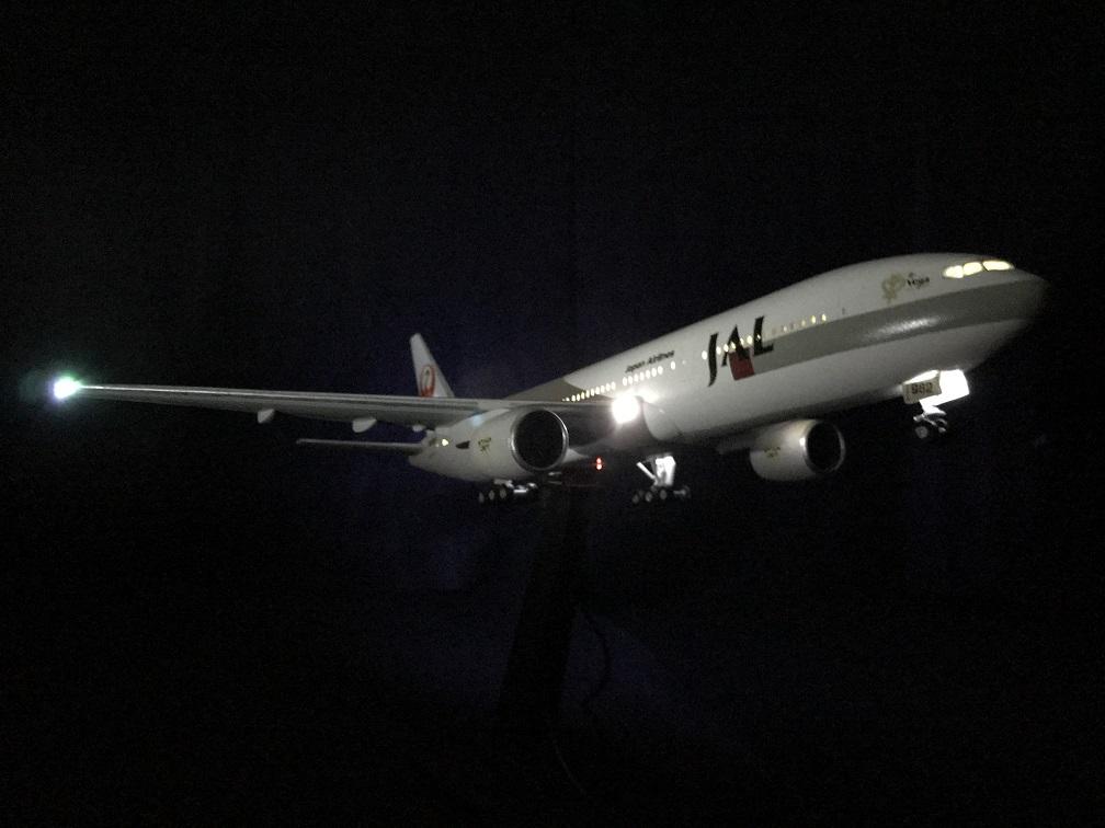 JAL B777離陸