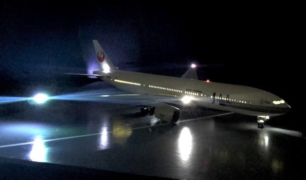 電飾 JAL B777
