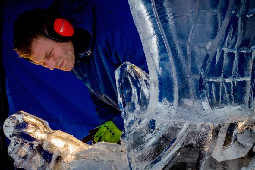 Serious NK Ice Carving
