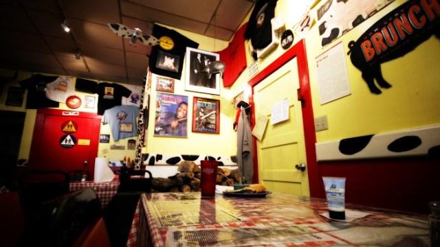 A table at Memphis Minnies