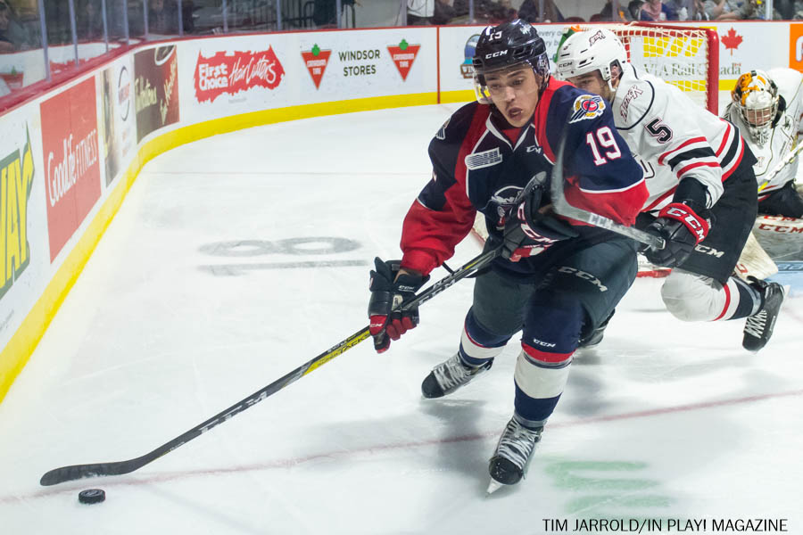 Windsor Spitfires vs Owen Sound Attack PIX