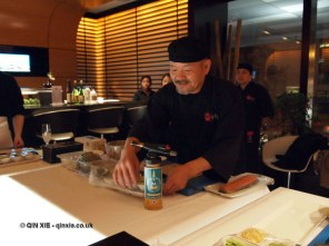 Sadayuki Okamoto making sushi, sushi making at Ichi Sushi and Sashimi Bar