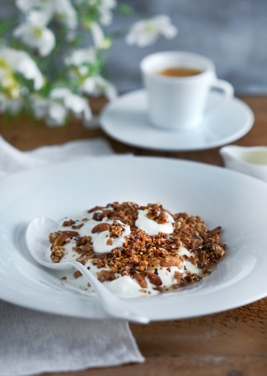 Roasted granola with coffee, Greek yoghurt, and honey recipe