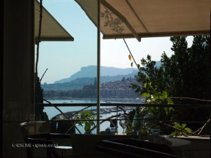 Windowside table, Mirazur, Menton