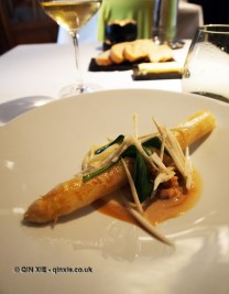 White asparagus with brown shrimp, citrus sauce, Vrijmoed, Ghent