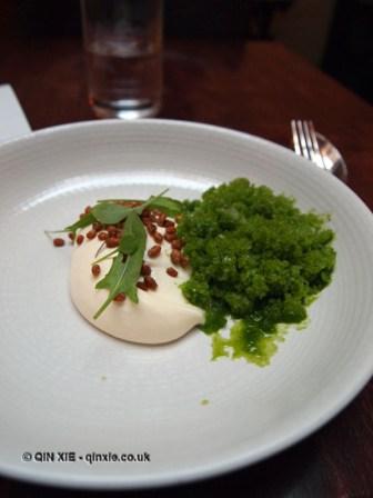 White chocolate, egg yolk, sorrel, De Vitrine, Ghent