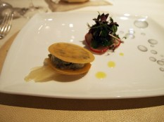 Moncenisio blue cheese in puff discs, Enoteca Pinchiorri, Florence