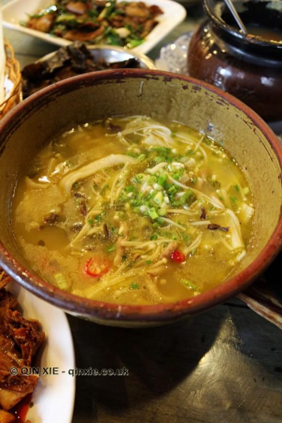 Enoki mushroom soup, Tian Yuan Yin Xiang, Chengdu