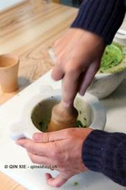 Making pesto, Niasca Portofino