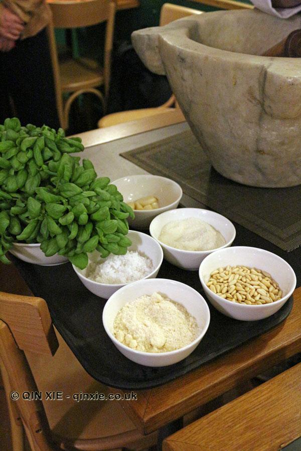 Pesto ingredients, Ristorante Il Genovese, Liguria