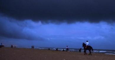 Cyclone Vayu will bring heavy rainfall in Gujarat, Maharashtra