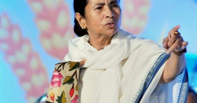 Mamata sets 4 hour deadline for protesting doctors