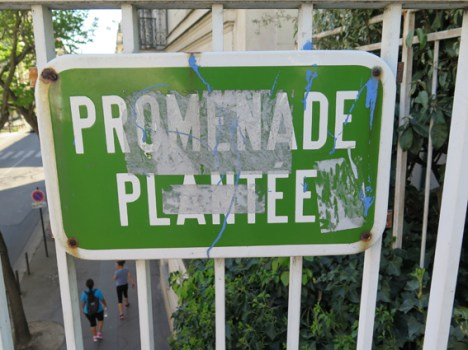 35. Promenade sign