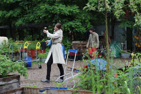 Princezzinnen Garten woman with plant