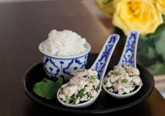 Laab Gai (Minced Chicken with Herbs)