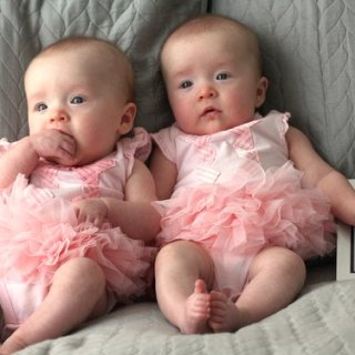 Molly and Clara – 4 Months
