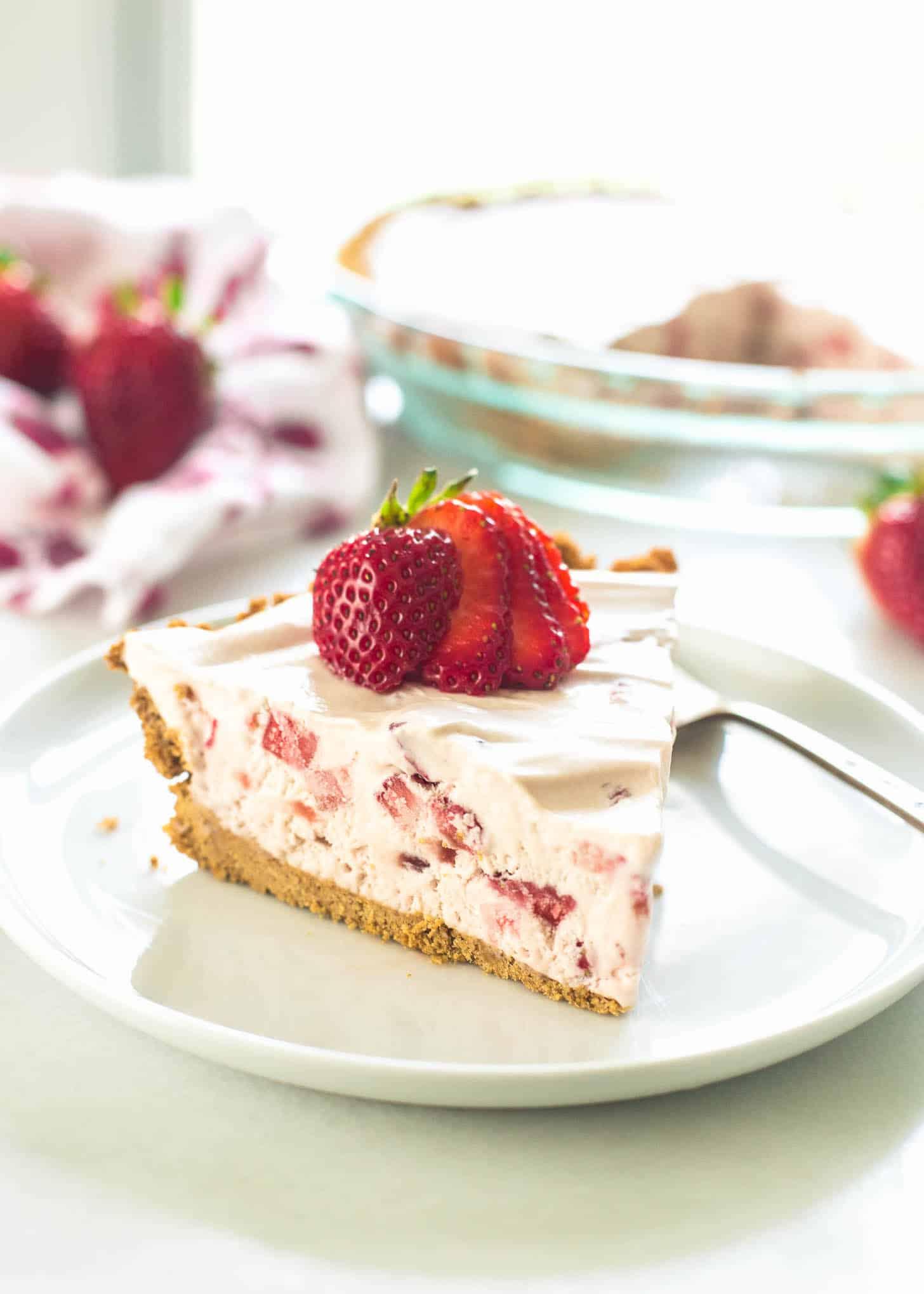 How to make strawberry cream pie