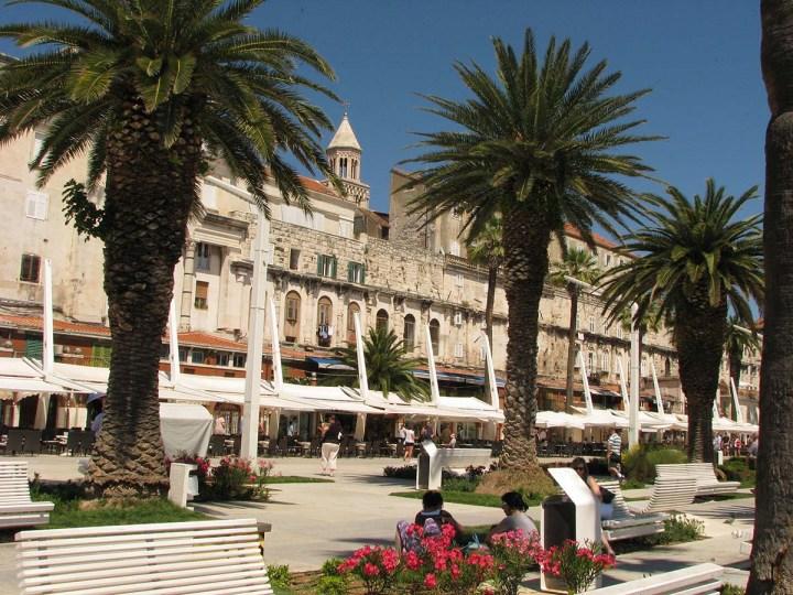 020717_Split_le_palais_devenu_ville_5