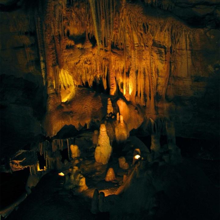 Voyage au centre de la Terre aux grottes de Lacave