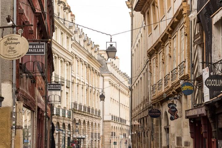 façades de la rue Saint Georges à Rennes
