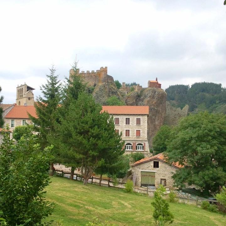 Arlempdes, le premier château de la Loire
