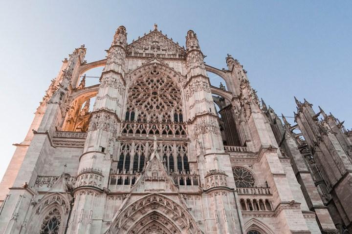 Péché d'orgueil à la cathédrale