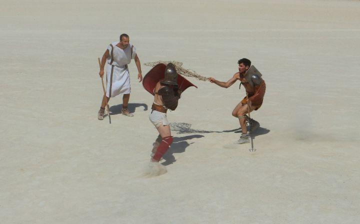 Spectacle de gladiateurs aux arènes d'Arles