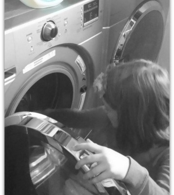 Teaching Kids To Do Laundry: Tide Pods Free & Gentle Review #PGmom
