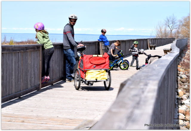 Canadian Blogger Family Bike riding in Collingwood #WannaPlay