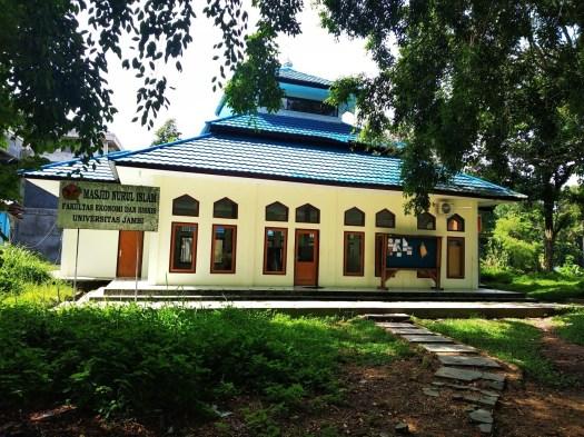 Mushollah di Fakultas Ekonomi dan Bisnis Unja