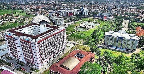 Kondisi lingkungan sekitar kampus telkom university (tampak atas)