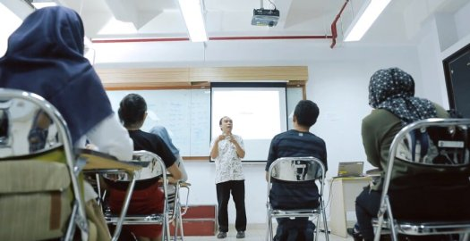 review kampus program vokasi ui - ruang kelas