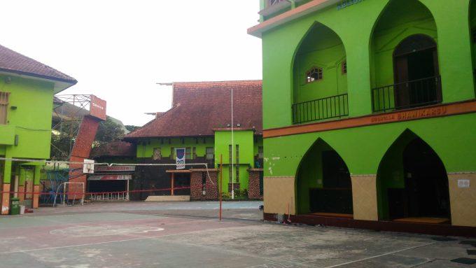 Kebersihan sekolah SMAN 3 Malang