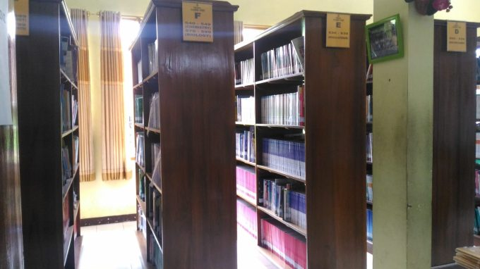 Fasilitas perpustakaan SMAN 3 Malang