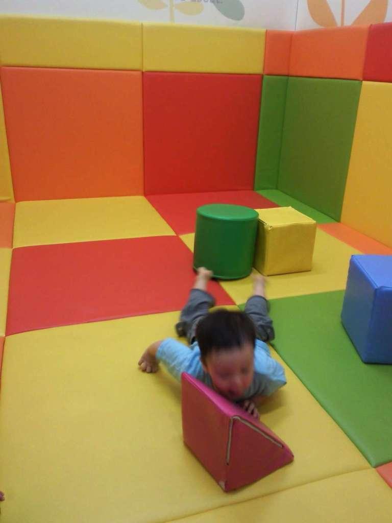 Free play padded area in Apita 2nd floor Peony walk Higashimatsuyama