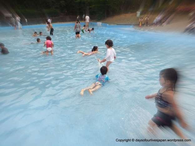 Splash pool at Saitama's Prefectural Children's zoo