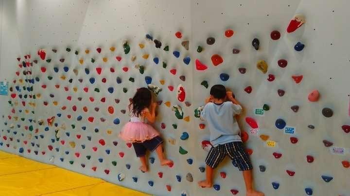 Free climbing fun for kids at Kitamoto Children's Centre   KITAMOTO