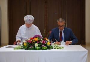 التوقيع-على-اتفاقية-جديدة-تربط-المعهد-الوطني-لعلوم-الآثار-والتراث-بالمتحف-الوطني-العماني-2