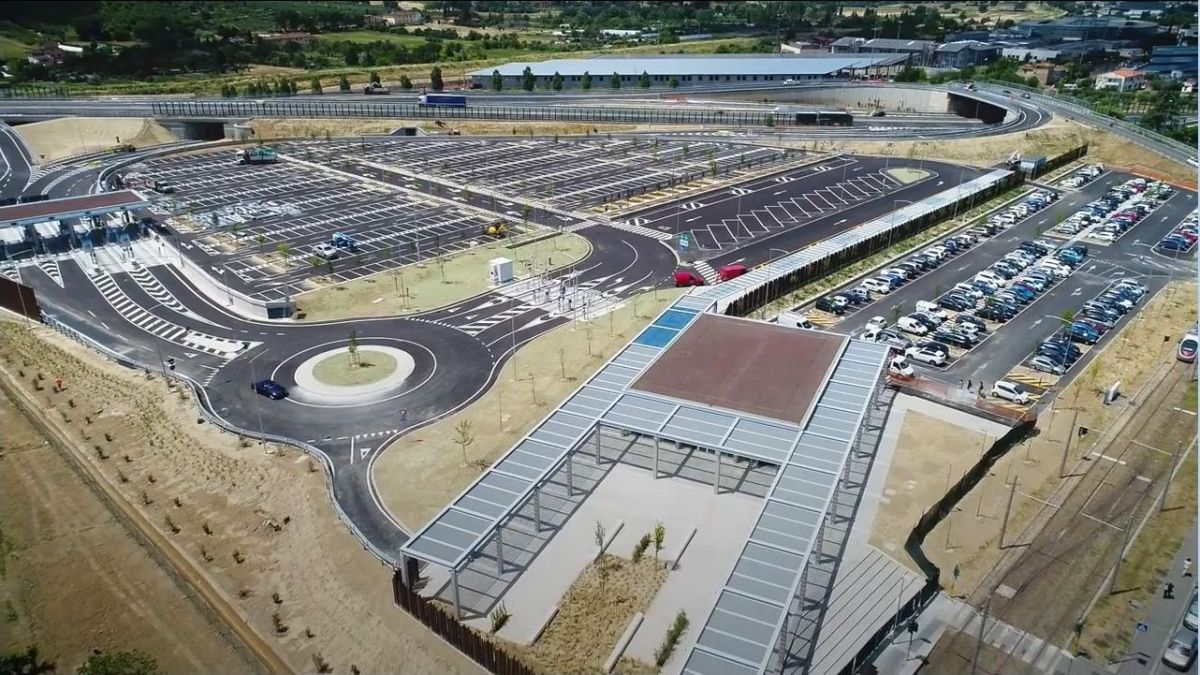Parcheggio scambiatore Villa Costanza