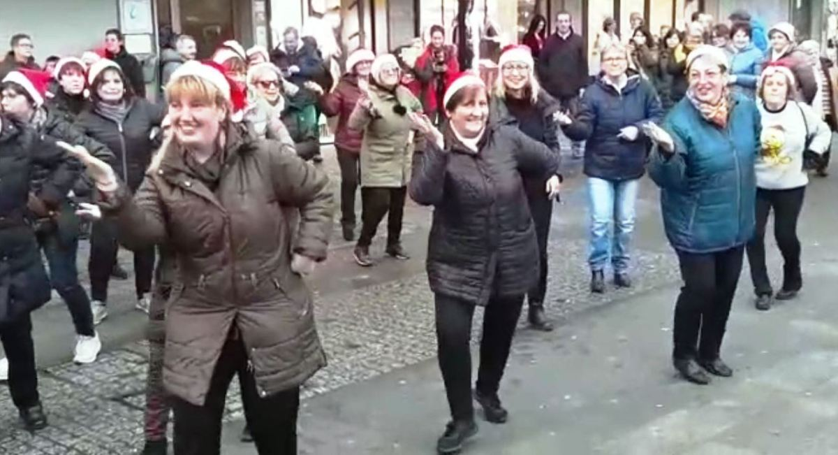 Flash-mob-2.jpg?fit=1200%2C652&ssl=1