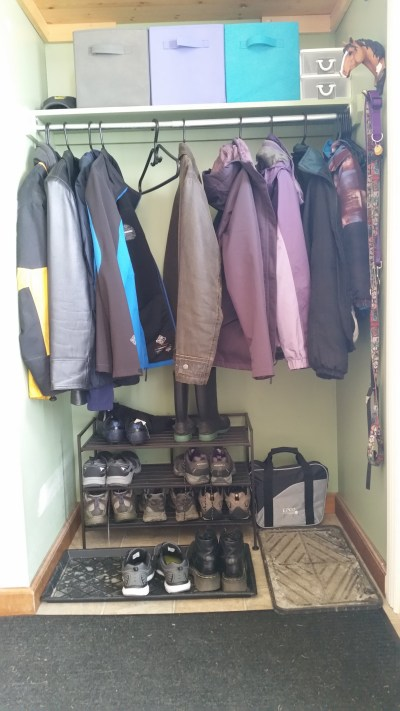 Decorate and organize your home's entryway easily.