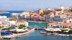 Die Ortschaft von Georgioupolis in Chania auf Kreta