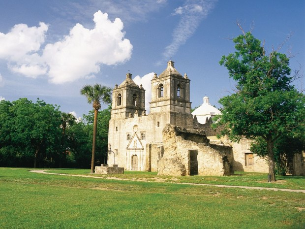 Mission Concepción in Texas. - Foto:  San Antonio Convention & Visitors Bureau